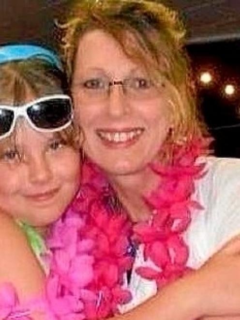 Noelene Bischoff and her daughter Yvana.