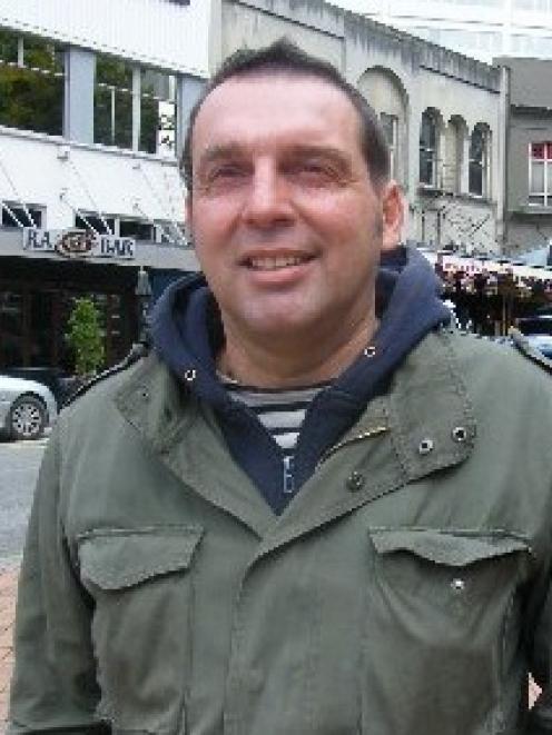 Olivier Lequeux.