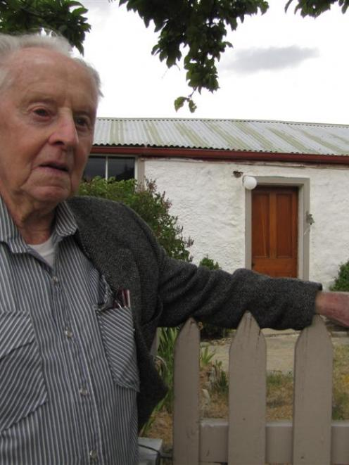 One of Bendigo's oldest former residents, Bill Reid, whose father  was one of the first gold...