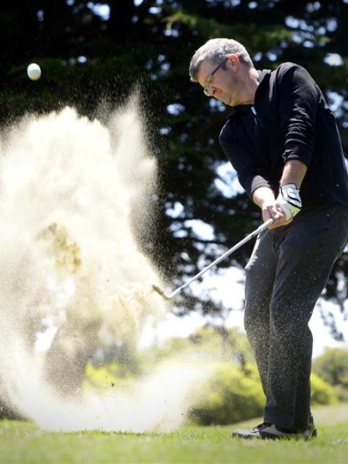 Otago golfer Tony Giles practising at the St Clair club yesterday. Photo by Peter McIntosh.