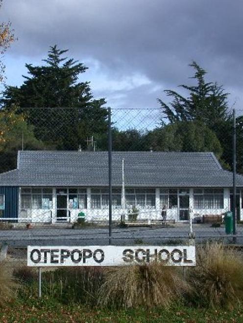 Otepopo School.