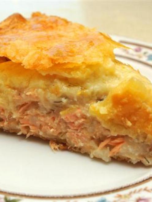 Pâté au saumon (salmon pie).