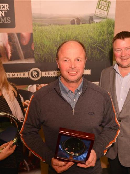 Pasture to Plate Award winners Karen and William Oliver are congratulated by Silver Fern Farms...