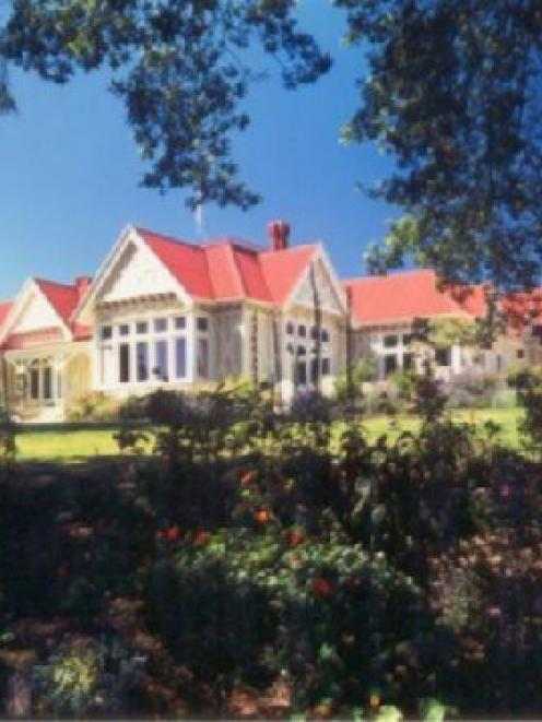 Pen-y-bryn Lodge.