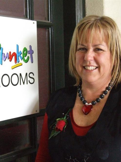 Plunket national vice-president Tristine Simpson this week received a silver award for 25 years'...