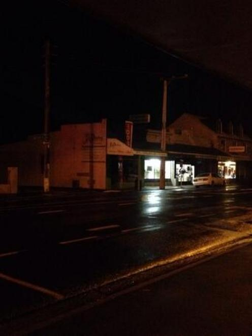 Power was out to some areas of South Dunedin tonight. Photo Twitter (@thegreybarcode)