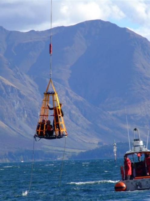 Coastguard Queenstown drops in and makes a splash | Otago ...