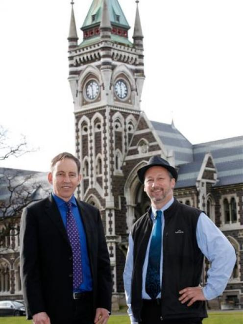 Quantitative genetics senior lecturer Dr Phillip Wilcox (right) catches up with Beef and Lamb New...