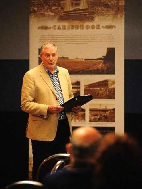 Resource management consultant Don Anderson outlines his plan for Carisbrook at a meeting in...