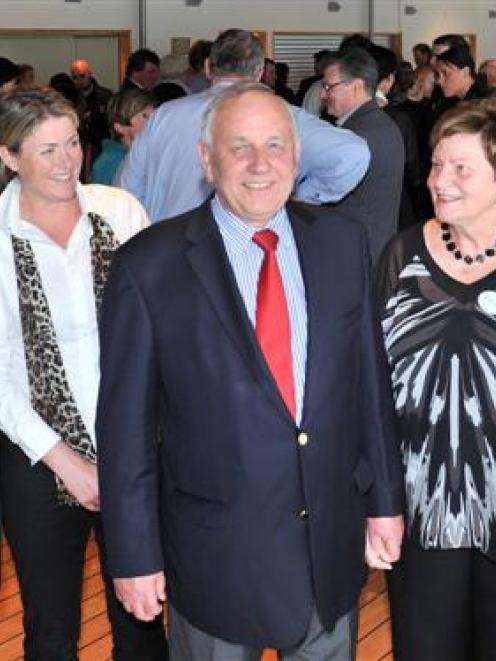 Retiring Otago Secondary Schools Sports Association regional director Des Smith (centre) is...