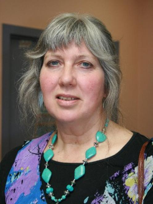 Reviewer Marian Poole