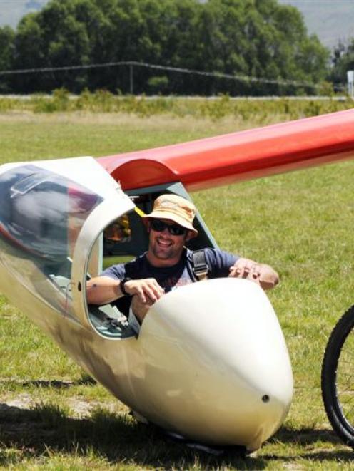 Richie McCaw gliding at Omarama last year. Photo by Jill McCaw.