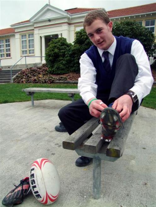 Rising South Otago High School rugby player Matt Faddes hopes to cap off a stellar 2009 season by...
