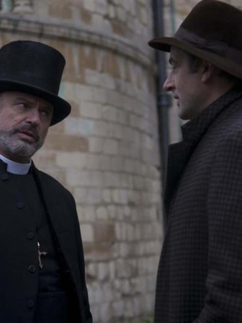 Sam Neill, as Dean Spanley, and Jeremy Northam. Photo from image.net.