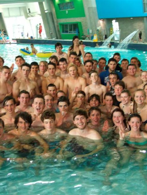 Some of  540 Australian Venturer Scouts in Queenstown take a refreshing dip at Alpine Aqualand ...