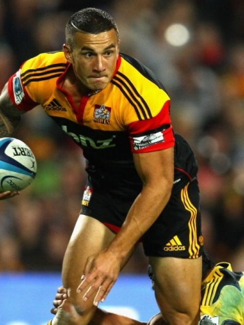 Sonny Bill Williams will turn out in Chiefs colours again in 2015/16.