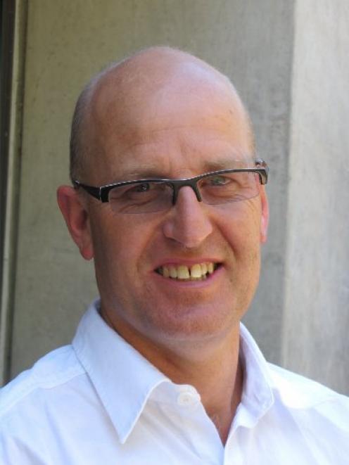 Steve Henry.