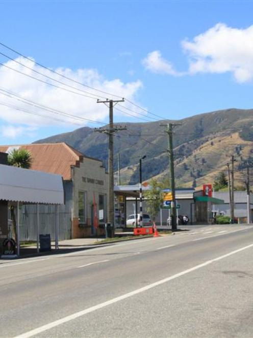 Tapanui's Northumberland St will soon be red, white and blue. Photo by Hamish MacLean.