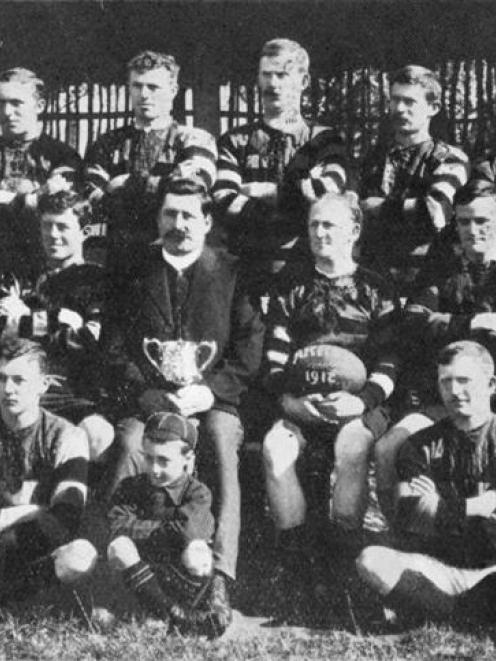 The Arrow rugby team, winners of the Wakatipu Sub-union's Cup 1912. Back row (from left): F....