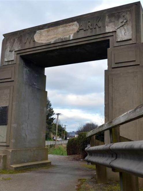 The Chalmers Community Board is calling for the Moller Park Memorial Arch in Ravensbourne to be...
