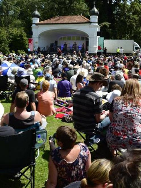 The Chills preform at the Dunedin Botanic Gardens on Sunday. Photo by Peter McIntosh.