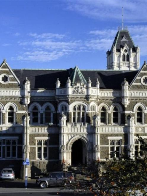 The Dunedin Courthouse. Photo by Gerard O'Brien.