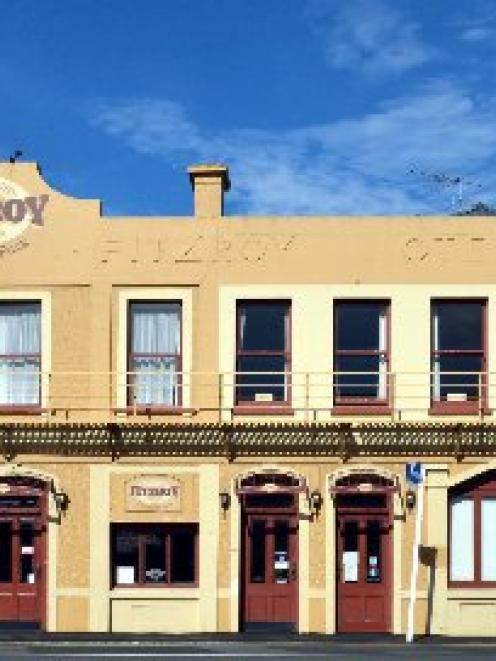The former Fitzroy Pub On The Park is  for mortgagee sale. Photo by Peter McIntosh.