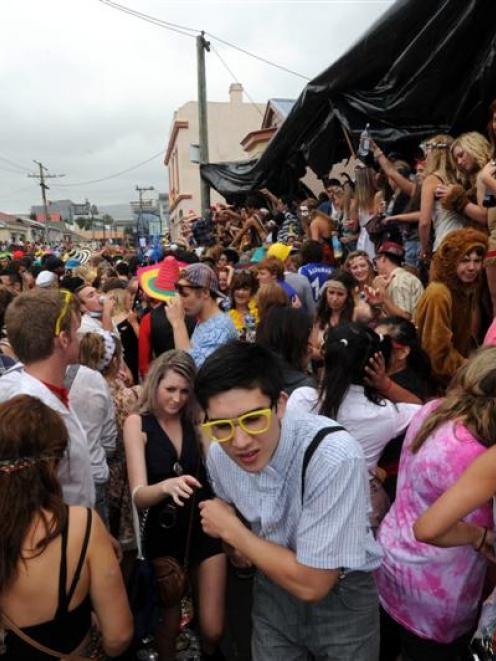 The Hyde St keg party last Saturday. Photo by Craig Baxter.