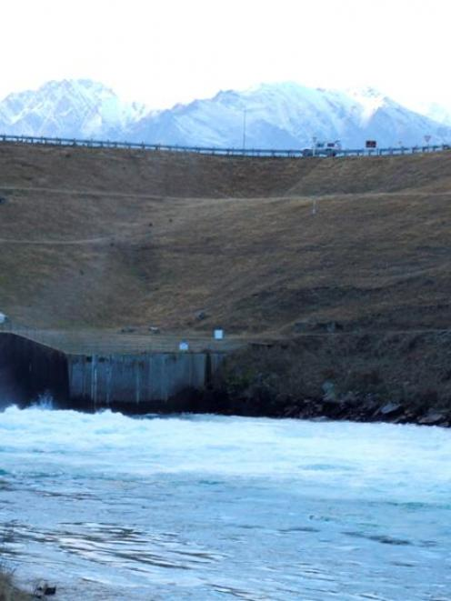 The Lake Hawea control gates and dam, above the Hawea River. Photo by Matthew Haggart.