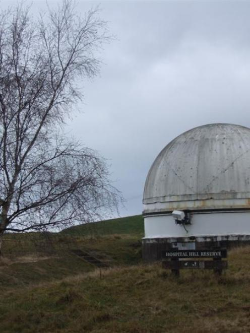 The observatory at the top of Stoke St. Photo by Sally Rae.