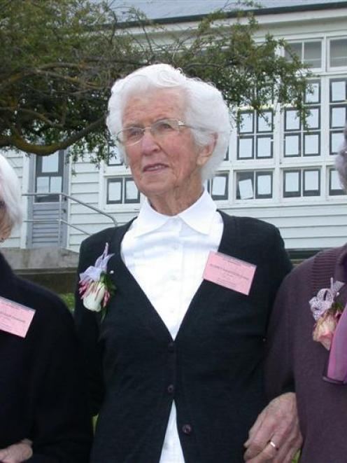 The oldest former pupils of Enfield School (from left), 93-year-old May Lavender (nee Hellewell),...