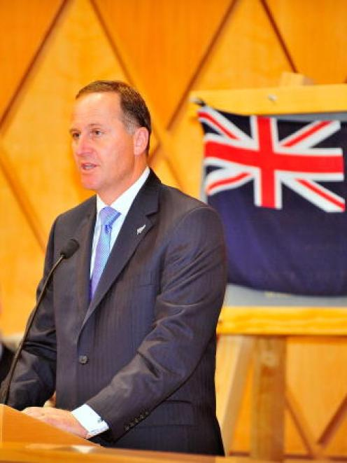 The PM says if ministers back a change, the Govt will decide on a design and ask Kiwis to vote...