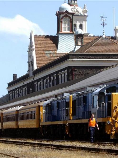 The Taieri Gorge Train. Photo by Jane Dawber.