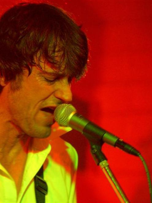 Verlaines frontman Graeme Downes. Photo by Craig Baxter.