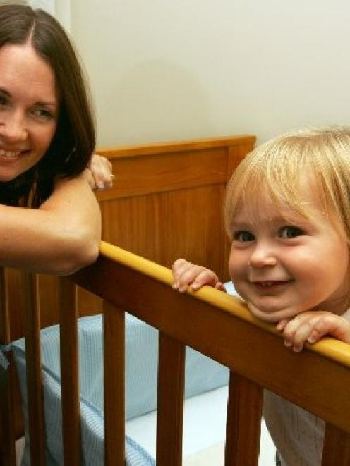 Vicky Mair with her 14-month-old daughter Ruby. Photo from The New Zealand Herald.