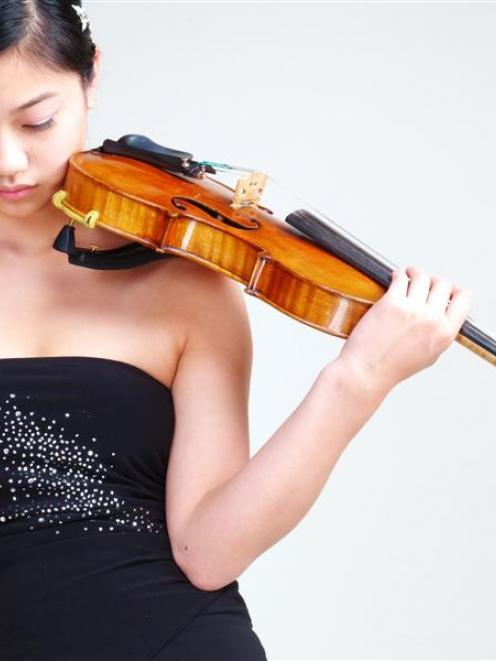 Violinist Natalie Lin (23), of Auckland, will vie with 17 other semifinalists for prizes...