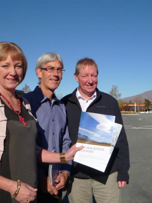 Waitaki MP Jacqui Dean (left), Mackenzie Country shared vision forum chairman Richard  Thomson...