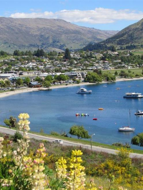 Wanaka is one of only three Otago centres with access to 4G. Photo by Mark Price.