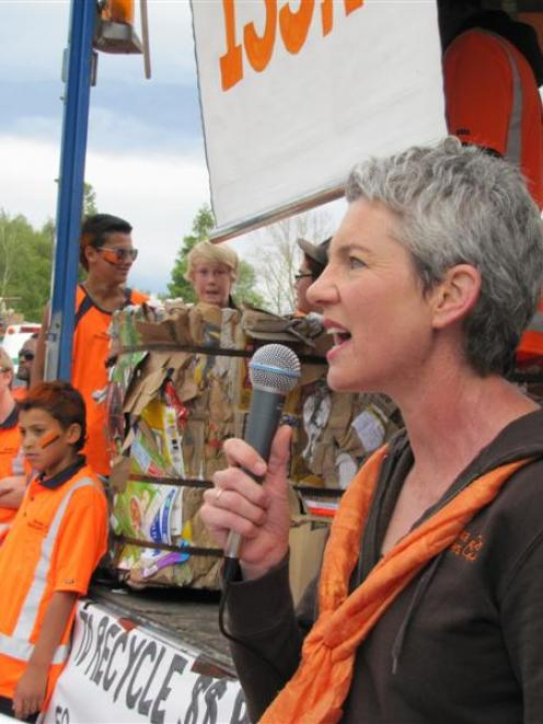 Wastebusters manager Sue Coutts speaks at the protest. Photos by Marjorie Cook.