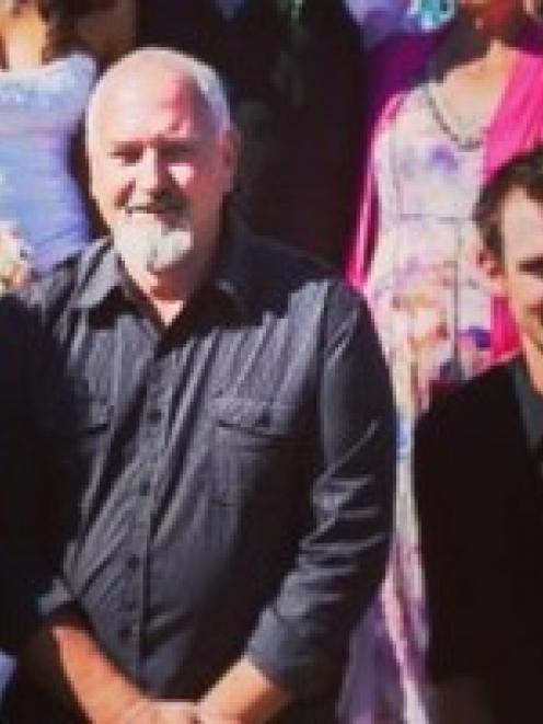 William Kerry Blair (centre)