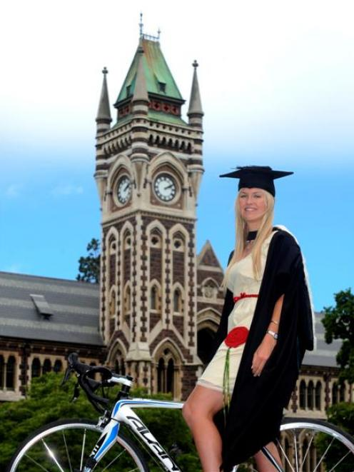With her University of Otago physiotherapy studies behind her, award-winning cyclist Sequoia...