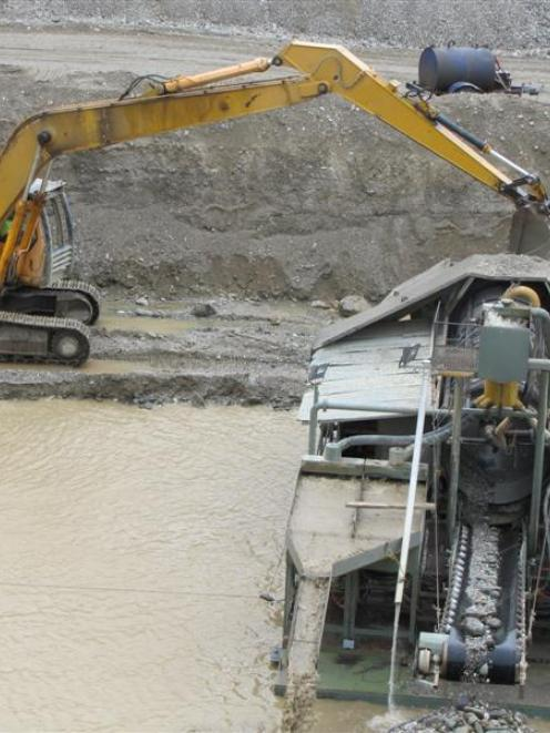 Work at the Earnscleugh mine. Photo by ODT.