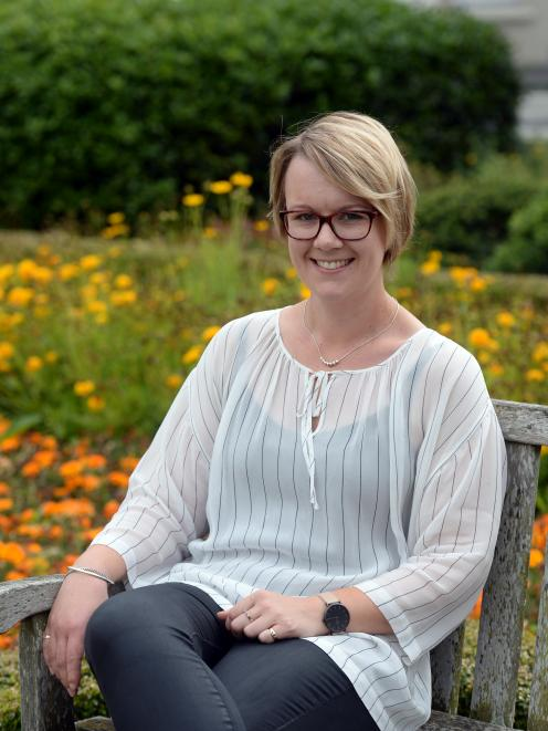 Anna Townsend urges women to learn the warning signs of ovarian cancer. Photo: Linda Robertson