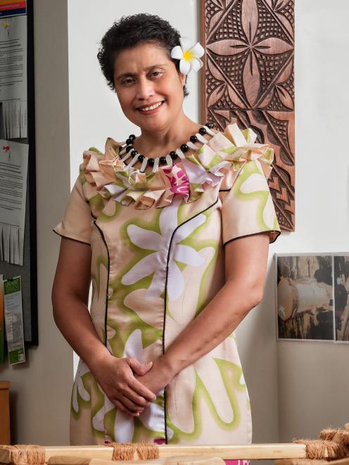 Winner of the prime minister's supreme award for tertiary teaching excellence University of Otago...