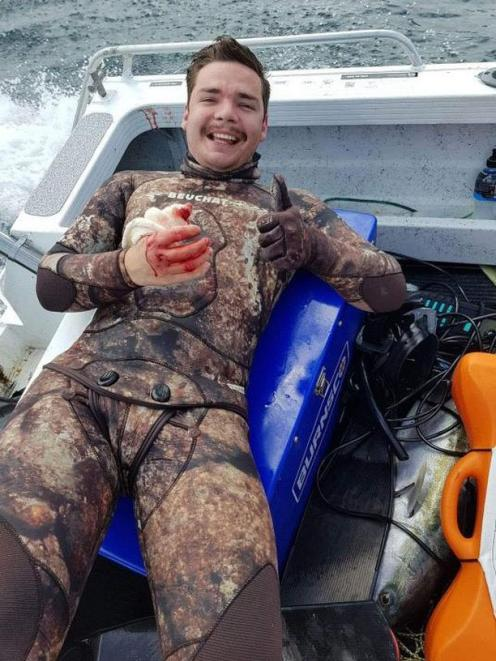 Spearfisher frees himself from jaws of 2m mako shark | Otago