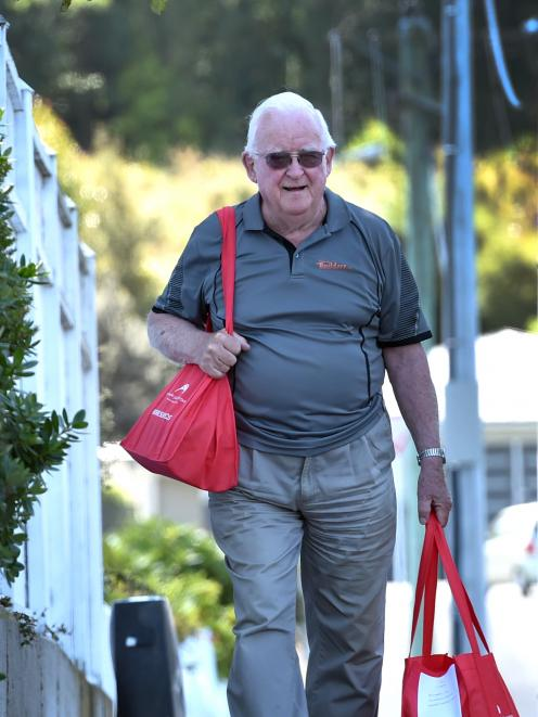 Bob McRae (80) has been home-delivering books to Dunedin people for nearly 20 years. Photo: Peter McIntosh