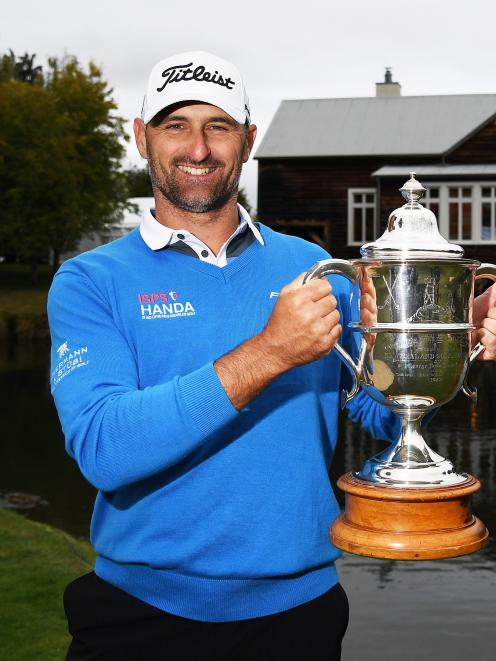 Michael Hendry celebrates his New Zealand Open victory in 2017. Photo: Photosport