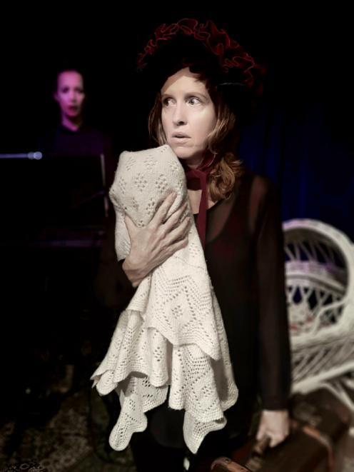 Lisa Brickell performs Mockingbird in Sydney.