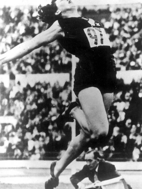 Yvette on her way to winning the 1952 Olympic long jump gold medal.