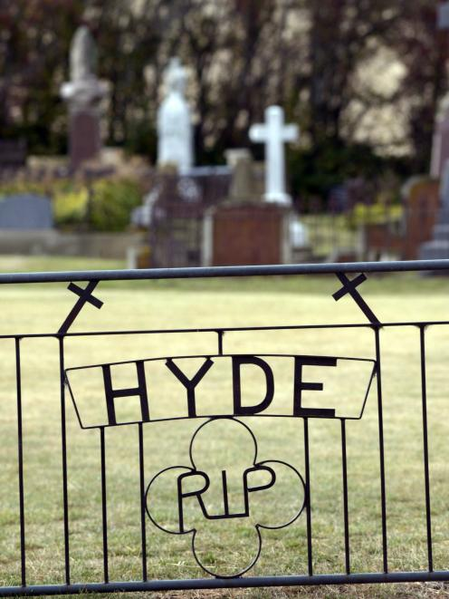 The entrance to Hyde Cemetery.
